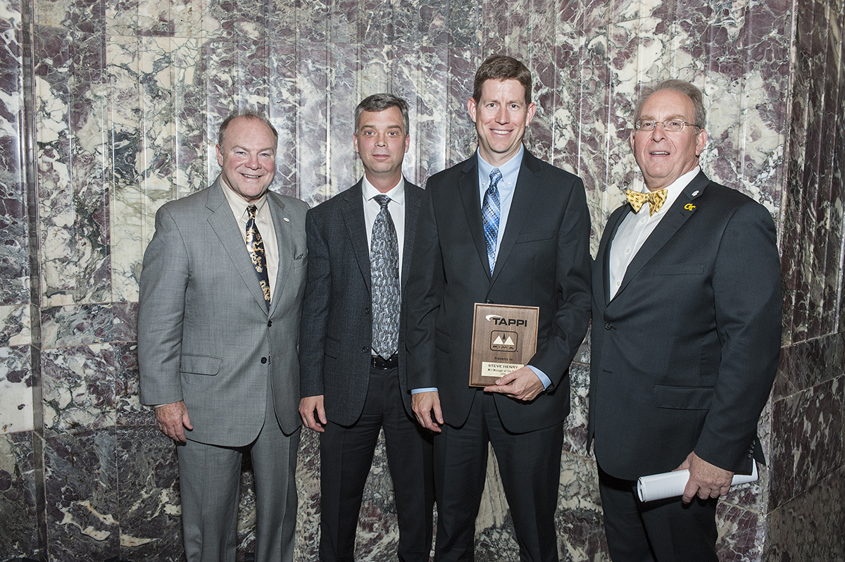 Domtar Professionals Receive Industry Award